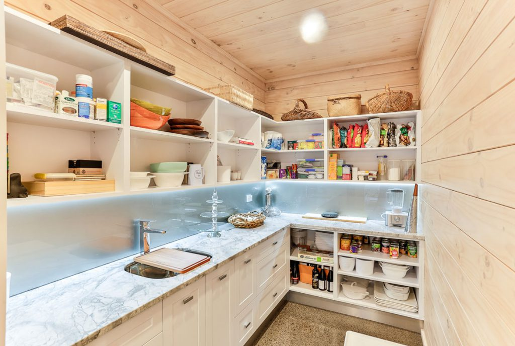 Kitchen with Scullery Peka Peka Home