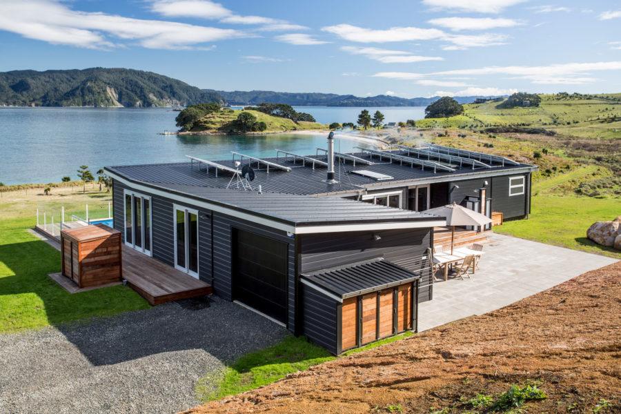 Remote Island Living image 0