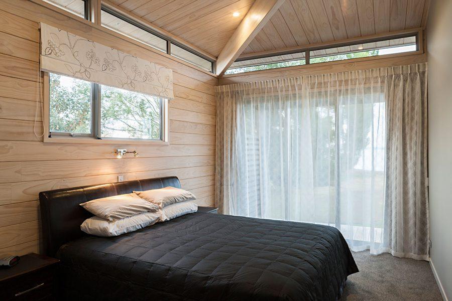 Turangi Lakeside Luxury image 8