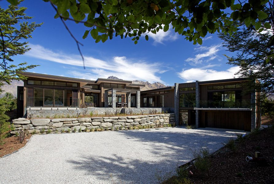 Sutherland Home Project – Queenstown image 1