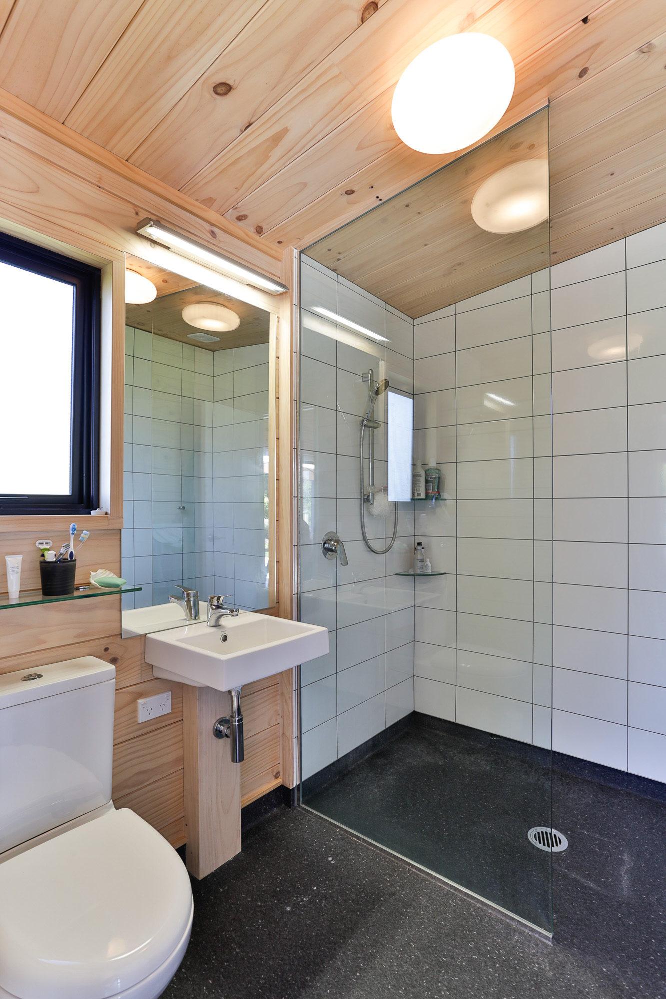 Lockwood bathroom with tiles