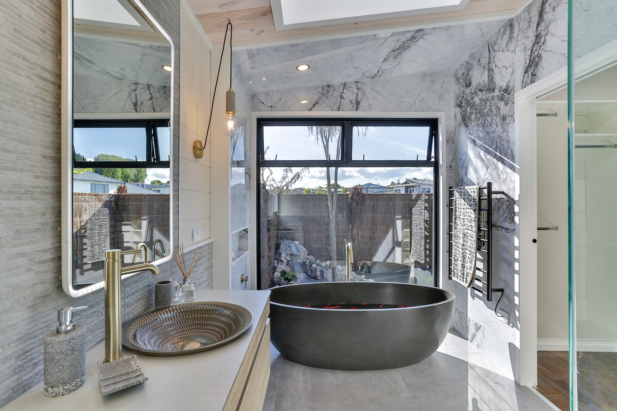 Lockwood Taupo Acacia Show home master en-suite