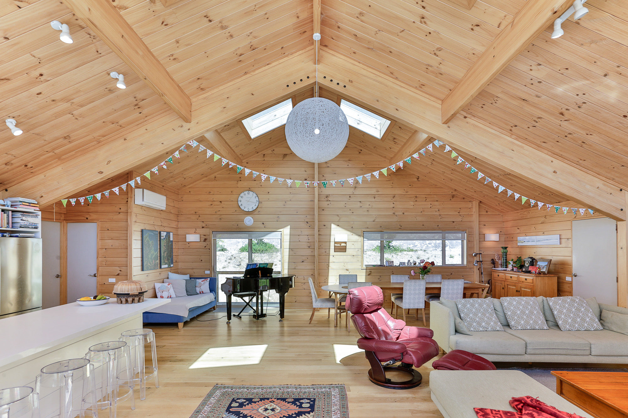 Lockwood Kaiteriteri home with huge timber portals
