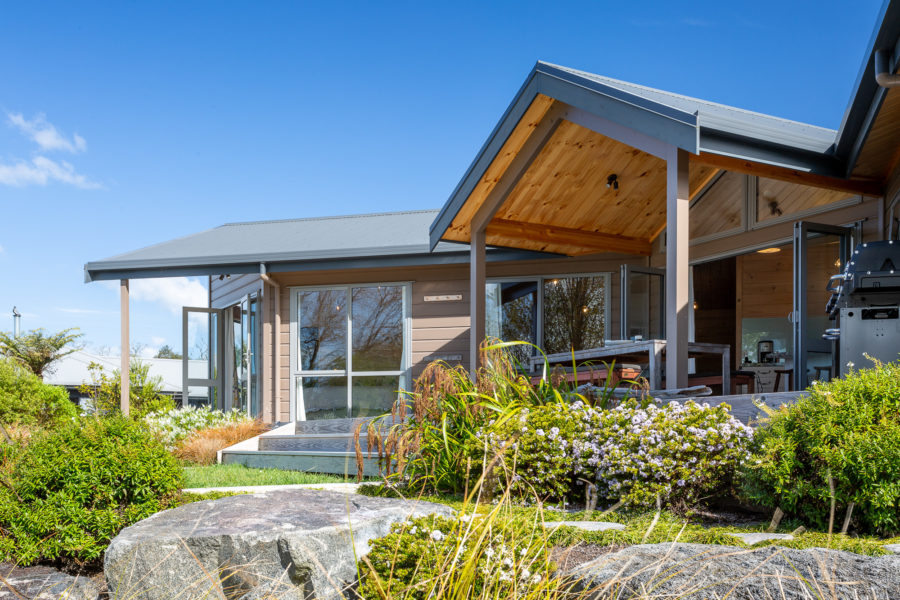Moodie-Stephens home, elegant and relaxed living on the lake image 15