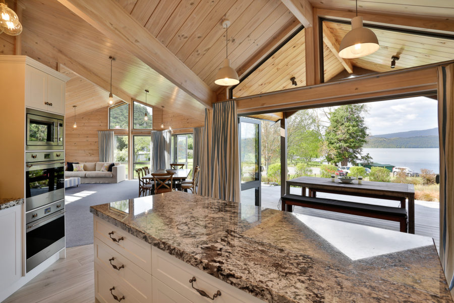 Moodie-Stephens home, elegant and relaxed living on the lake image 2