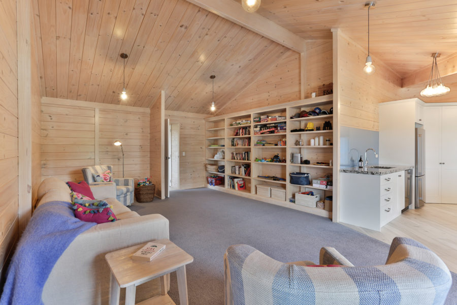 Moodie-Stephens home, elegant and relaxed living on the lake image 14