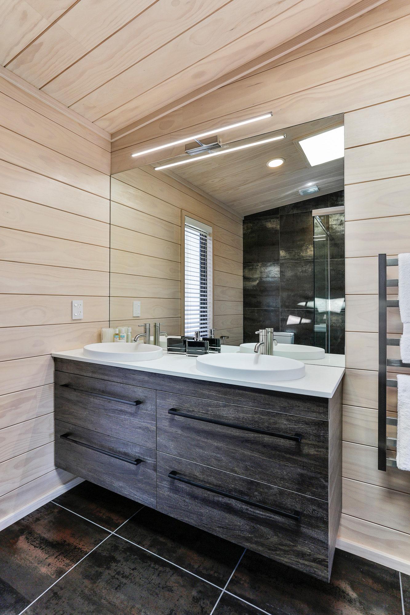 Dual vanity in en-suite Lockwood show home Wellington