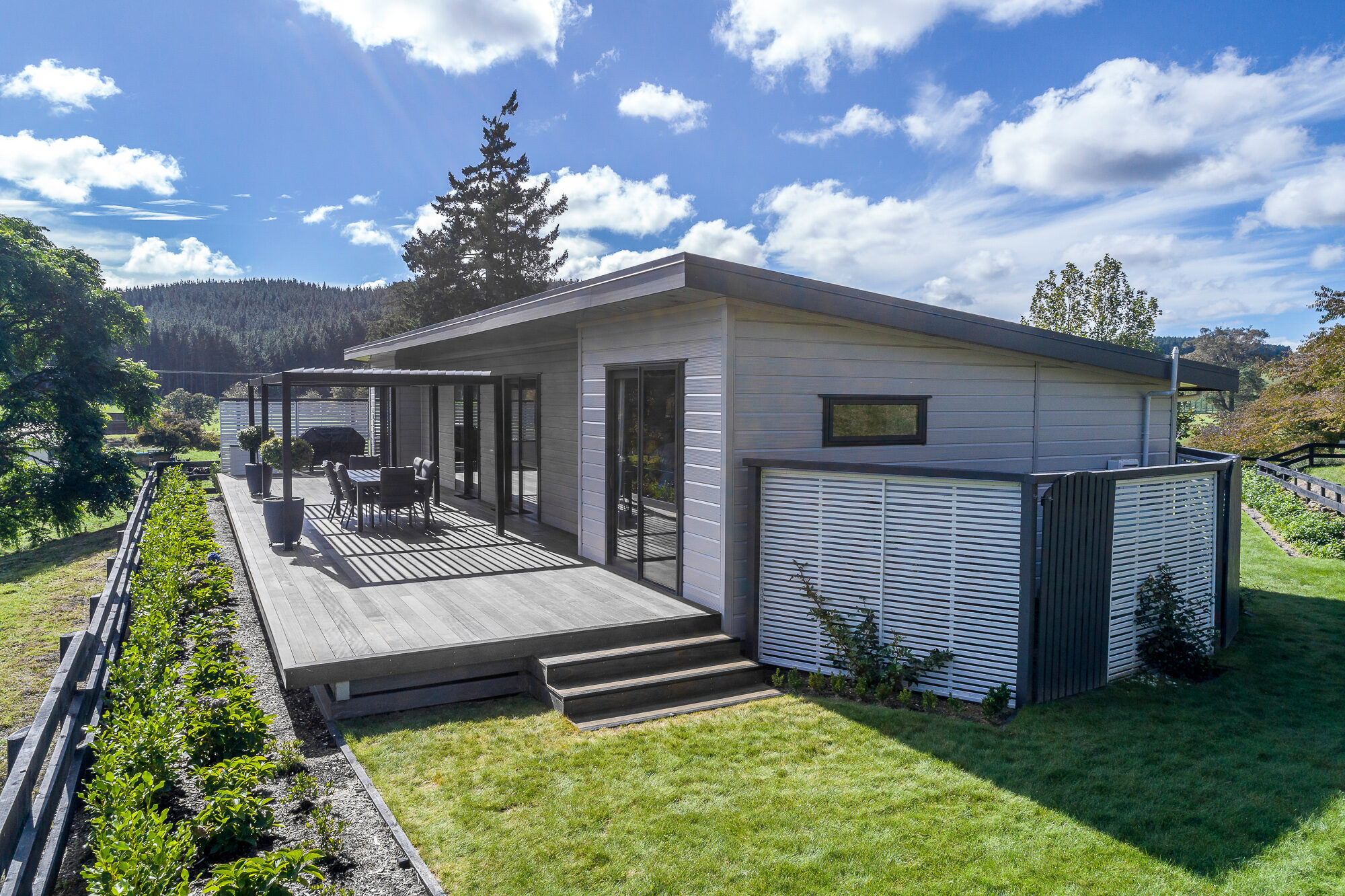 Large Lockwood deck is an entertainers dream